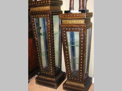 Pedestal Display Mediano